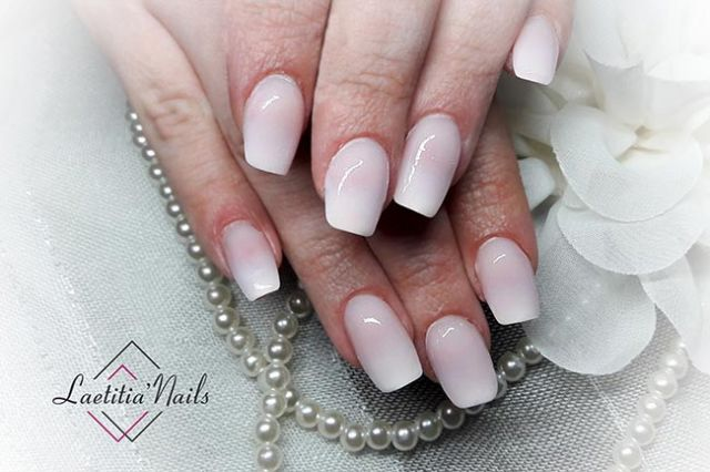 Laetitia' Nails - Baby Boomer