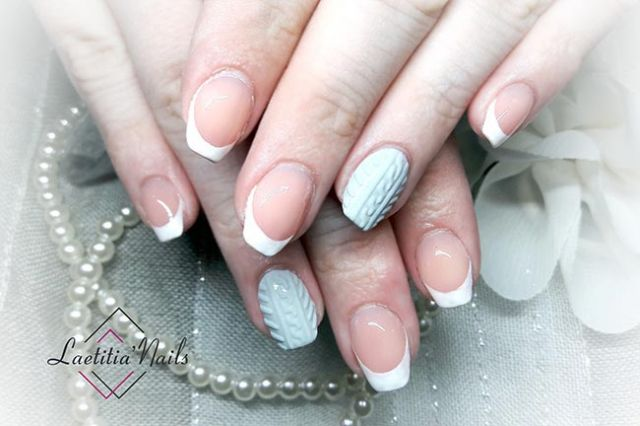 Laetitia' Nails - French Pull Over