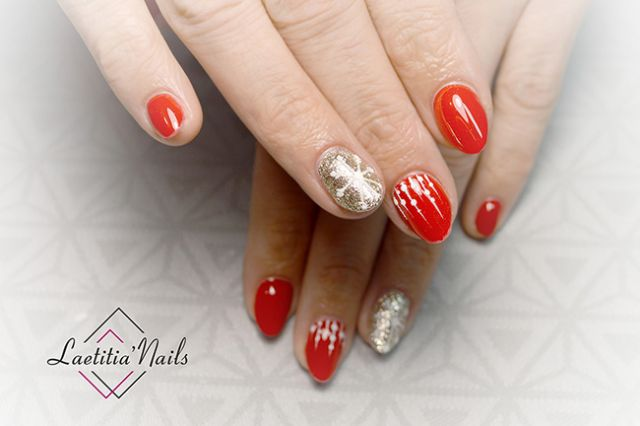 Laetitia' Nails - Frosty red