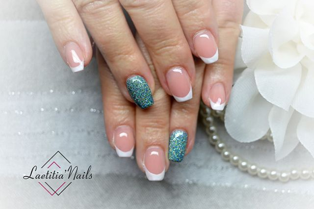 Laetitia' Nails - Frozen french