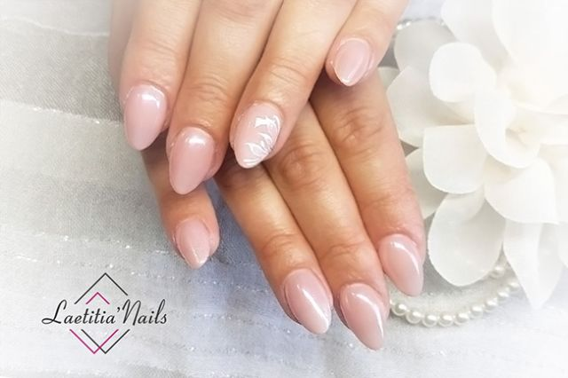 Laetitia' Nails - Just married