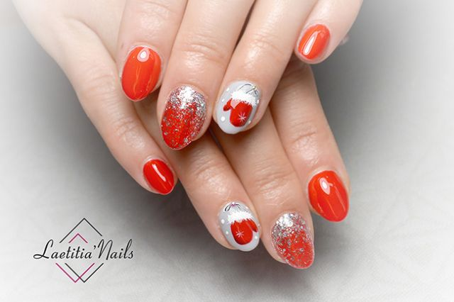 Laetitia' Nails - Red mittens