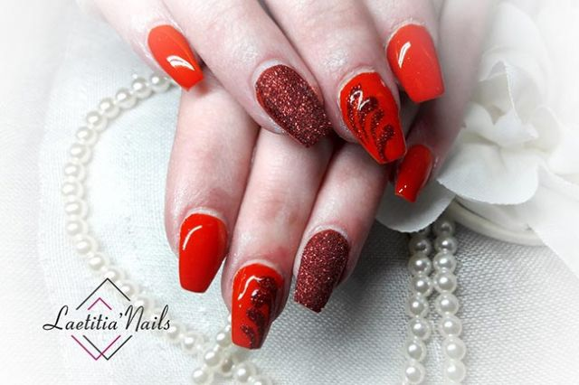 Laetitia' Nails - Red Sand