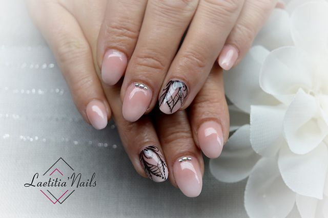 Laetitia' Nails - Strass and leaves